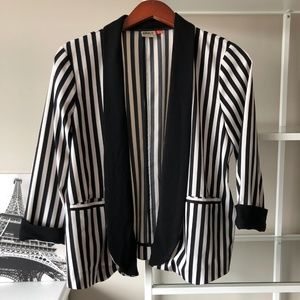 ONLY black and white striped 3/4 sleeve blazer